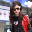 He Sui – Spotted at airport In Beijing - 454 x 682