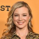 Amy Smart – 'Yellowstone' TV Show Premiere in Los Angeles - 454 x 571