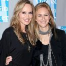 Chely Wright and Lauren Blitzer - 300 x 400