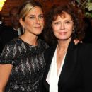 Jennifer Aniston: Artists for Haiti Dinner Darling - 454 x 726