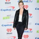 Sarah Michelle Gellar attends 102.7 KIIS FM's Jingle Ball 2017 presented by Capital One at The Forum on December 1, 2017 in Inglewood, California - 428 x 600