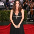 Alanis Morissette Ties the Knot