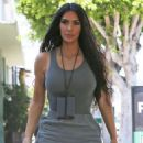 Kim Kardashian – Arriving at an art studio in Los Angeles