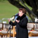 Susan Boyle Sings For The Pope - 454 x 726