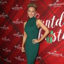 Nicky Whelan – 'Christmas at Holly Lodge' Screening in LA - 454 x 683