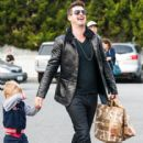 Robin Thicke is all smiles while stopping by Bristol Warms to buy groceries with his son Julian on January 3, 2014 in West Hollywood, California