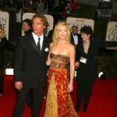 Matthew McConaughey and Kate Hudson At The 60th Annual Golden Globe Awards (2003) - 454 x 597