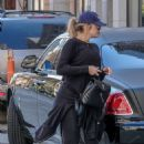 Khloe Kardashian – Going to the gym in Cleveland - 454 x 681