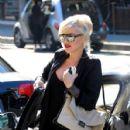 Gwen Stefani strolls through Beverly Hills with her son, Kingston Rossdale - 428 x 594