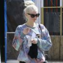 Ashlee Simpson Leaves a gym in Studio City - 454 x 604