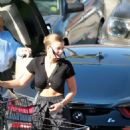 Sofia Richie – Shopping at Ralphs market in Malibu