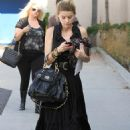 Amber Heard - Post Office In West Hollywood - 12.10.2010
