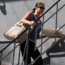Shannon Elizabeth Arriving At Her Home After Shopping - Mar 27 2008