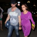 Pregnant Rachael Leigh Cook and her husband Daniel Gillies make there way to their hotel after attending a Comic Con party in San Diego - 396 x 594