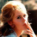 Jane Fonda - 454 x 579