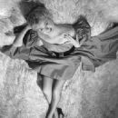 Shelley Winters - 454 x 581