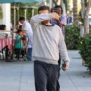 Tobey Maguire is seen in Beverly Hills - 396 x 594