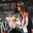 'Furious 7' actress Jordana Brewster went to the farmer's market with her family in Los Angeles, California on August 21, 2016 - 430 x 600