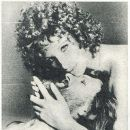 Barbra Streisand - Film Magazine Pictorial [Poland] (19 May 1985) - 389 x 433