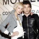 Agyness Deyn and albert hammond jr - 454 x 391
