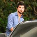 Taylor Lautner and Marie Avgeropoulos out to dinner in Beverly Hills (November 22, 2013)