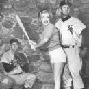 Gus Zernial, Marilyn Monroe & Joe Dobson - 454 x 596