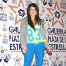 Violeta Isfel - 409 x 611