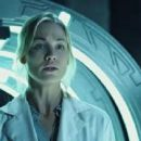 Yvonne Strahovski as Dr. Terra Wade in I, Frankenstein (2014) - 454 x 192