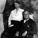 Eleanor Roosevelt - 390 x 500