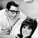Ted with Marlo Thomas in That Girl - 334 x 450