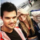 Billie Catherine Lourd and Taylor Lautner