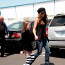 Kate Beckinsale - Taking Her Daughter To Ice Skating Ring In Culver City - April 26 '08