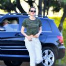 Kristen Stewart – Shopping in Los Angeles