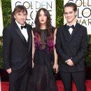 Lorelei Linklater, Richard Linklater and Ellar Coltrane at the Golden Globes red carpet
