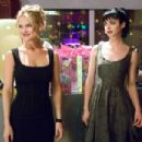 Gorgeous Molly (Alice Eve, left) falls for an average Joe, much to the bewilderment of her close friend Patty (Krysten Ritter, right) in the DreamWorks Pictures comedy 'She's Out of My League,' a Paramount Pictures release. Photo Credit: Darre