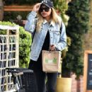 Naya Rivera – Goes to Kreation Kafe in Los Angeles - 454 x 686