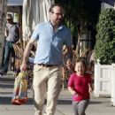Jason Lee And Daughter Casper Shopping At American Rag - 454 x 590
