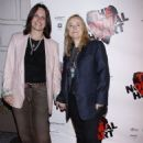 Melissa Etheridge and Linda Wallem - 454 x 681