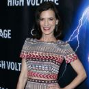 Perrey Reeves – 'High Voltage' Premiere in Los Angeles - 454 x 693