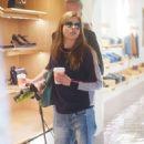 Selma Blair and boyfriend shopping in Melrose - 454 x 696