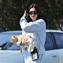 Amelia Hamlin with her dog in Beverly Hills - 454 x 681