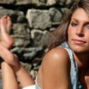 Laury Thilleman - 454 x 318