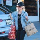 Sarah Michelle Gellar – Shopping in Santa Monica - 454 x 681