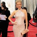 Penelope Ann Miller Files For Separation
