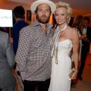 Pamela Anderson 'petitions court to dismiss divorce filing against on-again husband Rick Salomon'