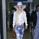 Lady Gaga Arrives at LAX December 8, 2016 - 400 x 600