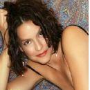 Lisa Cerasoli - 255 x 345