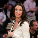 Shannon Elizabeth Watches Los Angeles Lakers Vs Philadelphia 76ers Game At The Staples Center In Los Angeles 2007-01-04