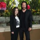 Winona Ryder and Keanu Reeves – 'Destination Wedding' Photocall in Beverly Hills - 454 x 668