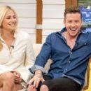 Pixie Lott on 'Good Morning Britain' TV Show in London - 454 x 333